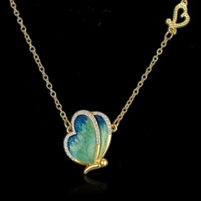 Fashion Gold Tone Crystal Heart Butterfly Wing Pendnat Necklace Clavicle chain