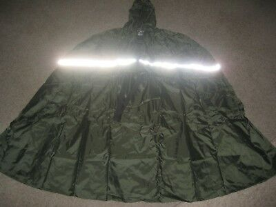 CRANE BRAND Wet Weather Adult's Poncho L/XL -BRAND NEW AND IT FOLDS UP INTO BAG
