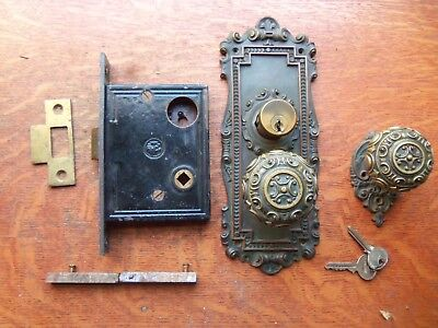 "Antique Bronze Entrance Doorknobs Doorplates & Keyed Lock ""Avon"" Reading 1905"