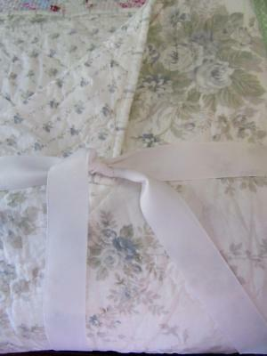 NEW Simply Shabby Chic KING QUILT Blue White Cottage SHADOW ROSE Rachel Ashwell