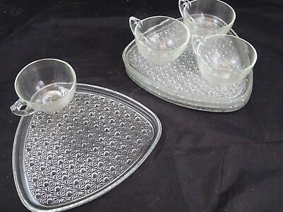 Indiana Glass Daisy & Button Triangle Shaped Clear Glass Snack Set of 4 GREAT