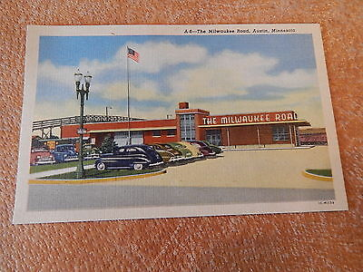 VINTAGE MILWAUKEE ROAD RAILROAD RR STATION POSTCARD 1940's MINNESOTA TRAIN DEPOT