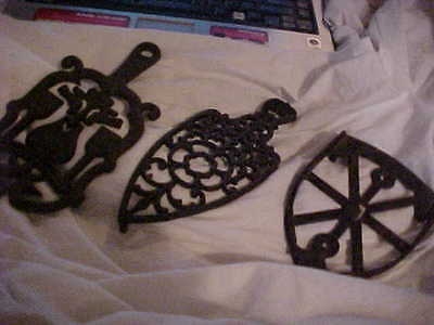 Heavy Vtg  footed Fancy Cast Iron Hot dish, Coffee Pot Trivet, Iron Trivet 716