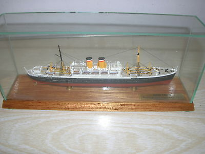 New York 1927 Oceanliner - CSC 1:1250 Vollrumpf Schiff in Glasvitirine