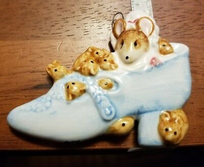 Beatrix Potter Schmid Little Old Woman Who Lived in a Shoe 1983 ornament