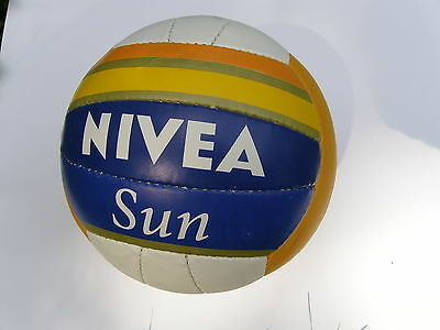 Beachvolleyball im NIVEA Design , NEU , Volleyball