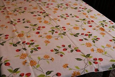 Vintage Cotton Kitchen Tablecloth Strawberries & Daisies 50x50