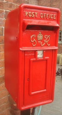 Replica Royal Mail GR Red Postbox Letter Box - Cast Iron - Lockable with Keys