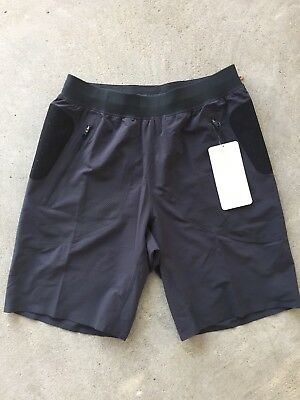 LULULEMON License To Gain Short Men's Shorts Color Gray NEW w/Tags $98