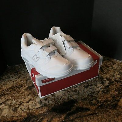 New Balance Walking Ladies Shoe Sneaker  Size 8 Wide Color White Free shipping