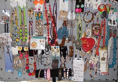 Lot of 100p Jewelry Vintage Retro New Necklaces Bracelets Earrings Rings Mix Hp2