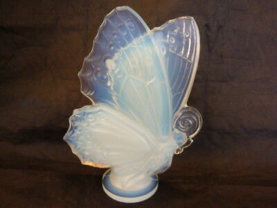 Large Vintage SABINO France Art Glass Opalescent Crystal BUTTERFLY