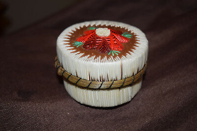 Lovely Great Lakes Indian Quill Birchbark  Basket Box Tufted Flower Anishinaabe