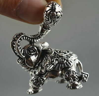 Exquisite Collectable Handwork Old Miao Silver Carve Cute Goldfish Lucky Pendant