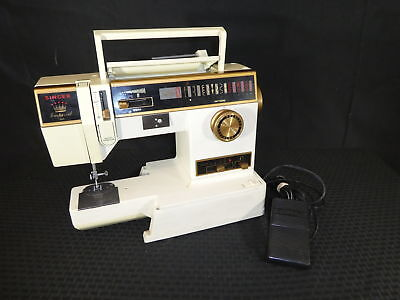 Singer Imperial Sewing Machine Model 7005 with Foot Pedal(390)