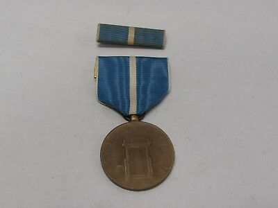Korean War U.S. Service medal and ribbon early period issue.    MK88