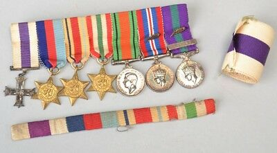 British Officer's Military Cross WW2 Miniature Medals & Ribbons. Ref EEB