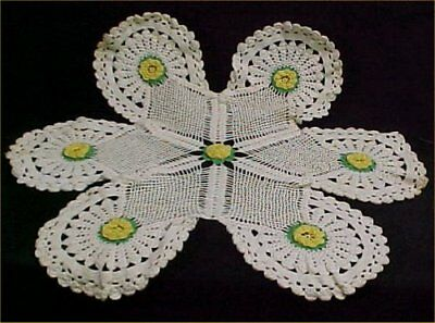 """Vintage Antique Hand Crocheted Lace Doily Tablecloth Yellow Roses 32"""" Fancy 40s"""
