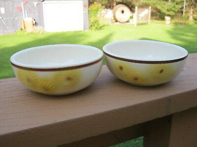 """Lot of 2 Hull Pottery 1950's Yellow Daisy Sunflower Cereal / Salad Bowls 5 3/4"""""""