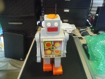 VTG Russian Soviet TOY Windup 1970's Grey SPACE ROBOT old astronaut СССР
