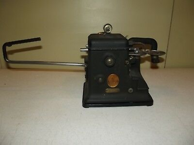 Antique Industrial Singer Fur Sewing Machine Taxidermy Sew Model 176-21 Leather