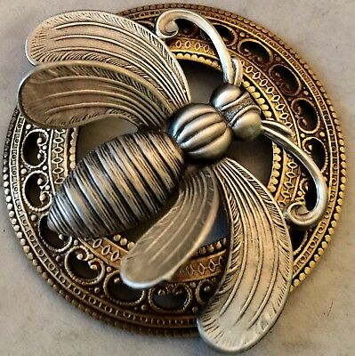 """LAYERED WING BEE PICTURE BUTTON ON Large Stamped Brass Antique & Vintage~2"""" INCH"""