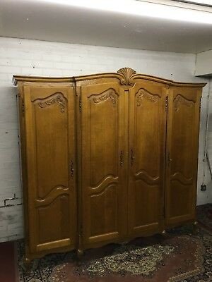 Stunning French Carved Golden Oak Four Door Breakfront Wardrobe/armoire
