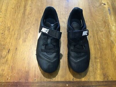 Boys Nike Footy Boots Size 11 1/2