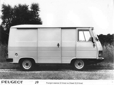 1981 Peugeot J9 Diesel Van ORIGINAL Factory Photo oua1876