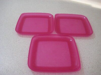 Tupperware Square Picnic Plates (3) pink - pre owned USED MIMIMAL
