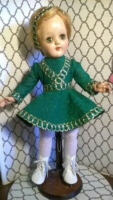"EMERALD GREEN AND GOLD ICE SKATING OUTFIT by SSO DOLL CLOTHES for 16"" P-91 TONI"