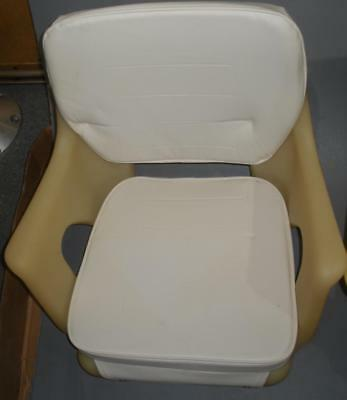 Garelick 48050 Deluxe Rotational Molded Seat Chair with Cushions 15451