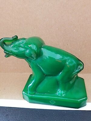 Boyd's Crystal Art Glass Boyd Zack Elephant Green