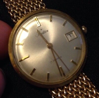 Beautiful Vtg Tradition 10K GF Men Watch 17Jewels w/ 1/20 10kt Gold Filled Band