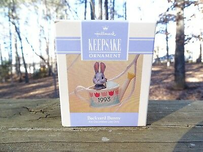 Rare New 1993 Hallmark Backyard Bunny In Watering Can Easter Collection Scarce