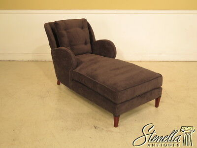 39557E: Mid Century Modern Style Upholstered Chaise Lounge