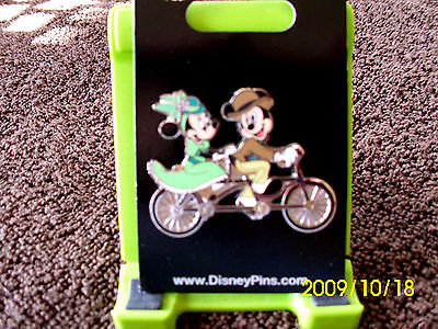 Disney * MICKEY & MINNIE on TANDEM VINTAGE BICYCLE * Trading Pin - New on Card