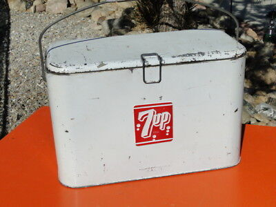 1950's Vintage 7up - Picnic / Camping Cooler - Nice!