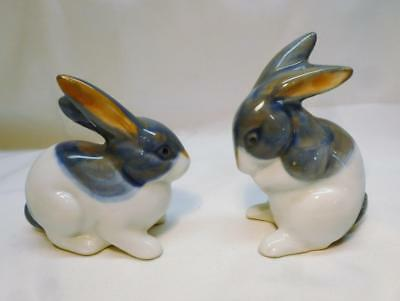 """Cute 3"""" Tall Pair Of Blue & White China Rabbit Figurines. Adorable!!"""