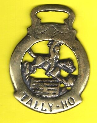 TALLY HO STEEPLE CHASE HORSE BRASS ORNAMENT !  British Pub, fox hounds horses