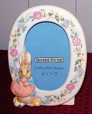 1990 Schmid Sculpted Ceramic Peter Rabbit Oval Collectible Picture Frame - EXC.