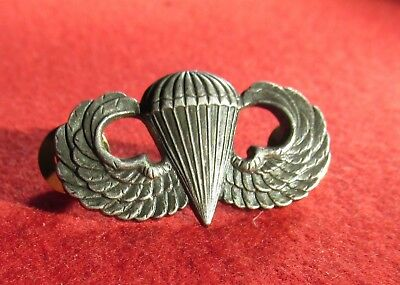 Paratrooper Jump wing US Army Airborne clutch back  marked 3G center