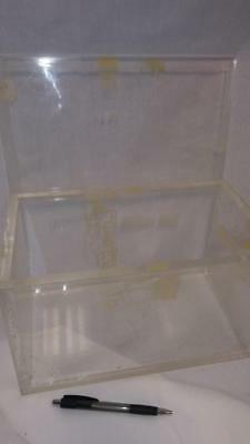 Thick acrylic box-Ideal for radioactivity storage, beta radiation shielding