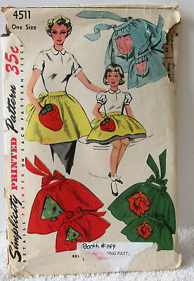 Vintage Simplicity Sewing Pattern 4511 Mother & Daughter Aprons Copyright 1953