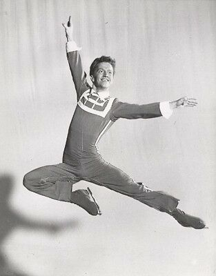 Don Watson Ice Skating Holiday on Ice Old Photo 1957 Patinage Artistique Sport