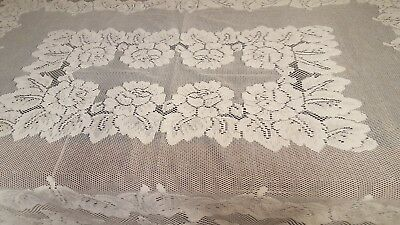 Old Lace Tablecloth Large Roses In Rectangle Center; Roses+Foliage Form Scallops