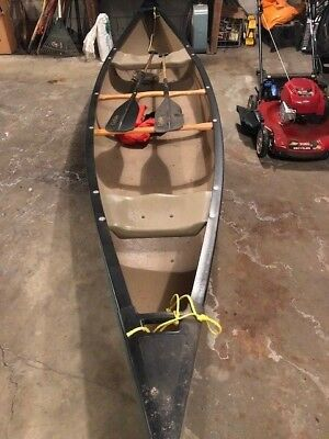 NF - 2000 Old Town Discovery 16' Canoe - Wisconsin