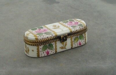 Limoges Porcelain France Oblong Trinket Pill Box Peint Main Signed
