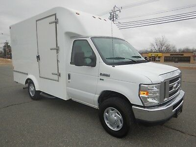 Ford E-350 Single Rear Wheel 13ft Box Cube Van Ramp Curb Side Door V8 Gas 2011