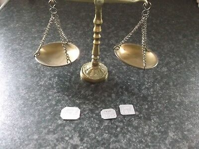 SET OF VINTAGE BRASS APOTHECARY SCALES WITH WEIGHTS 99p APX